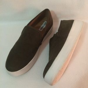 Steve Madden Garin Slip-On Sneakers Padded Insole